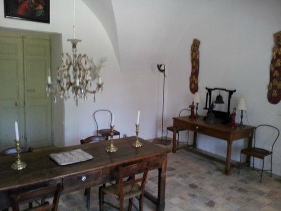 Chateau de Fontblachere: le Hall