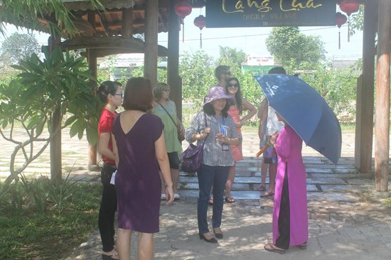 Hoi An Silk Village: Greeting are of the silk village