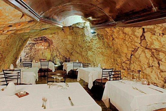 Murata, San Marino: zona ristorante