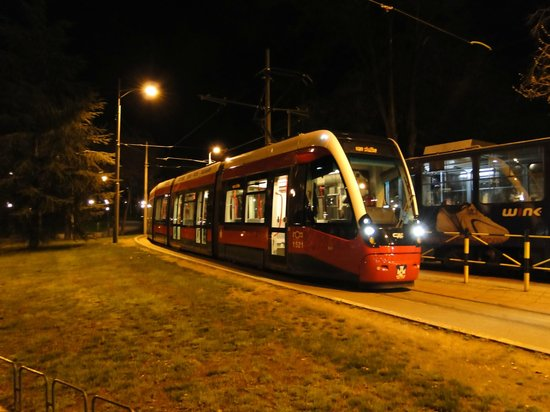 Balkan Orient Express Hotel: Tram by night