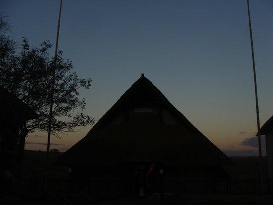 Victoria Falls Safari Club: Morning view of the main lounge area
