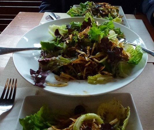 Crepes and Waffles : Ensalada Mediterránea