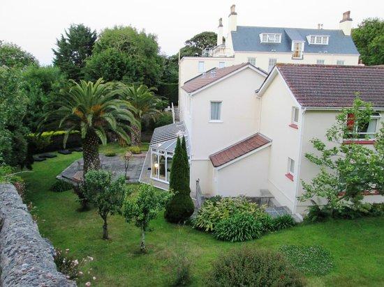 Best Western Hotel De Havelet: Rear of Hotel De Havelet