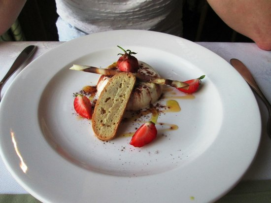 BEST WESTERN Hotel De Havelet: Vanilla Panna Cotta with Lemon Biscotti