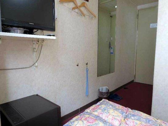 Hotel Ark Inn Tennen: 5  シングル客室(ドア側)