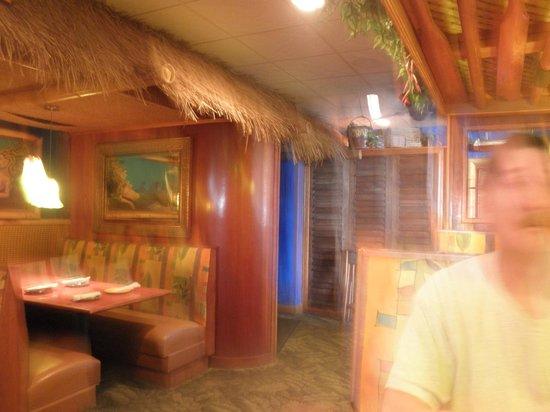 Jack Mackerel's Island Grill: Inside