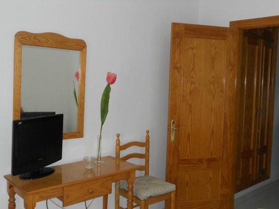 Villalba de la Sierra, Spania: Mobiliario habitación doble