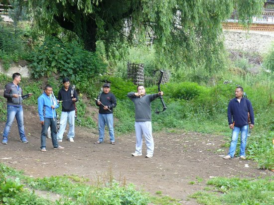 Hotel Ugyen Ling: The local compound bow competition