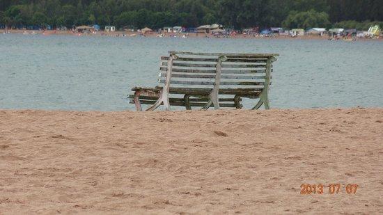 лавочка на пляже