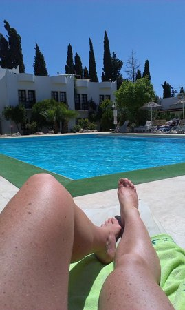 Safir Hotel : Pool side view... heaven!