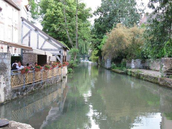 Le Moulin De Ponceau: View from the Restaurant