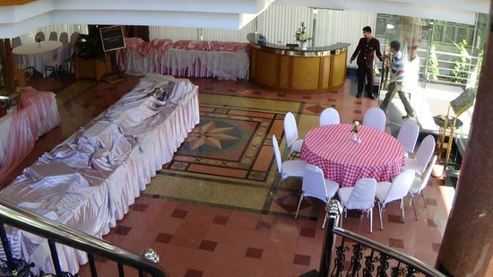Grand Tower Inn Rama VI: Ground floor Dining