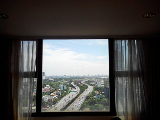 Grand Tower Inn Rama VI : A View from Main Hall of room