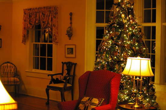 Pinebrook Manor B&B Inn: Formal Living Area-Christmas Decor