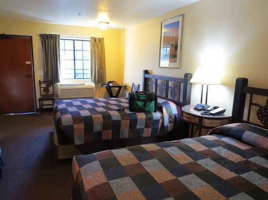 Jacob Lake Inn: Bedroom the 2nd night stay