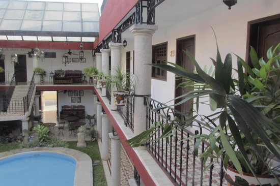 hotel colonial la aurora : Cortile