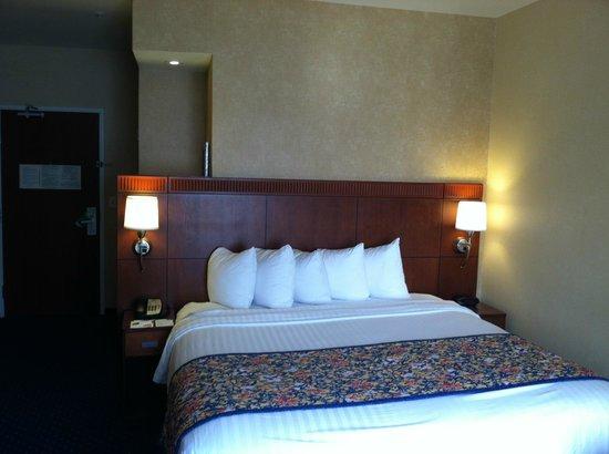 Courtyard Ontario Rancho Cucamonga: Guest Room