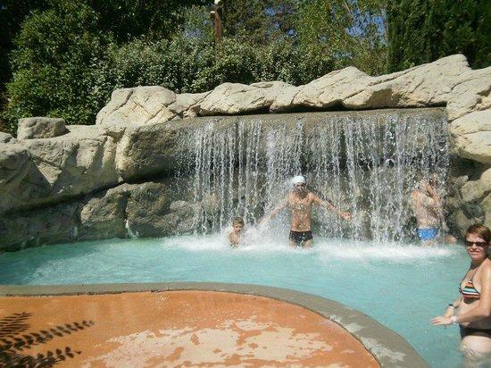 piscine de nyons photo de lagrange vacances le domaine. Black Bedroom Furniture Sets. Home Design Ideas