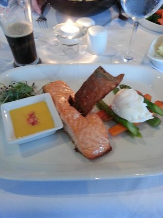 Jacks Coastguard Restaurant: main course saumon