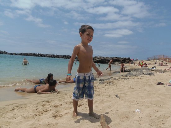 H10 Suites Lanzarote Gardens: day at the beach