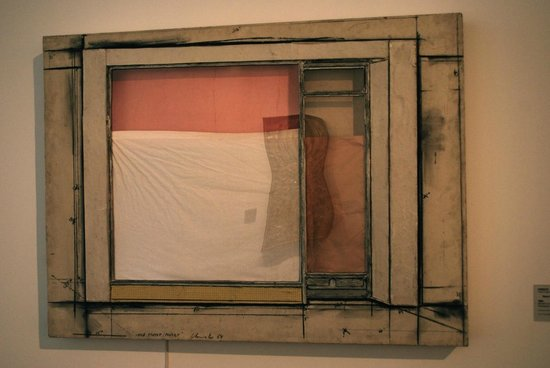 Neue Nationalgalerie: Example of work (early Christo)