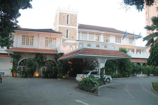 Protea Hotel by Marriott Dar es Salaam Courtyard : Entrance