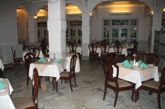 Protea Hotel by Marriott Dar es Salaam Courtyard: Dining room