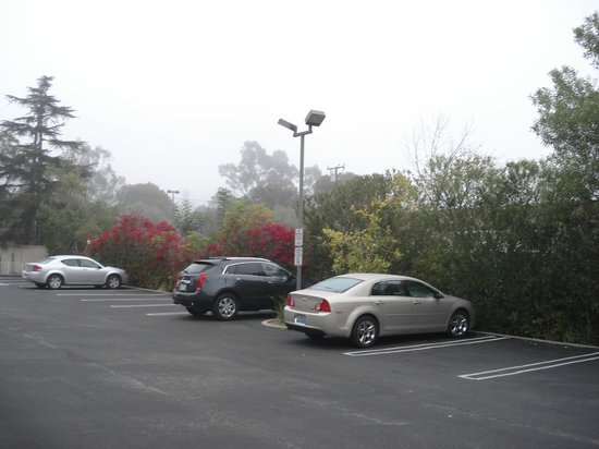 Ramada Santa Barbara: Parking
