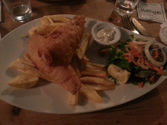Tom Sheridan's Bar and Restaurant : main course fish and chips guiness