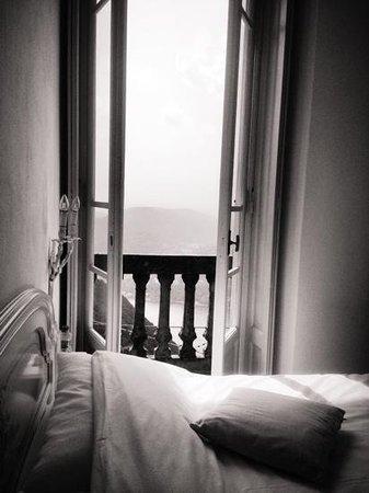 B&B Il Balcone sul Lago: apri la porta...e sei nella stanza dei sogni