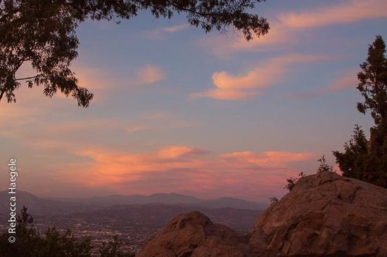 Mount Helix Park: View From Mt Helix at Sunset