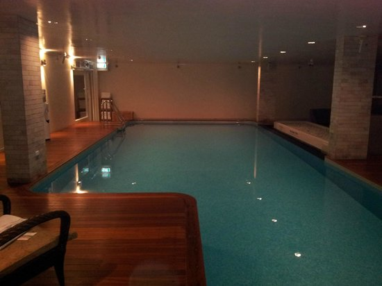The Richardson Hotel & Spa: Heated Pool