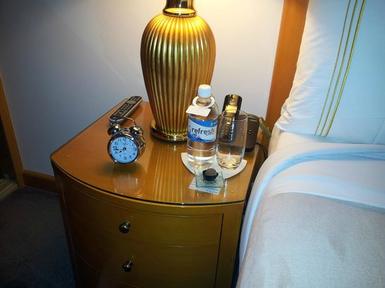 The Richardson Hotel & Spa: Turn down service truffle and water