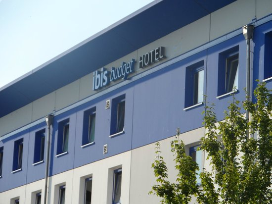 Ibis Budget Freiburg Sud : Particolare del lato posteriore dell'edificio