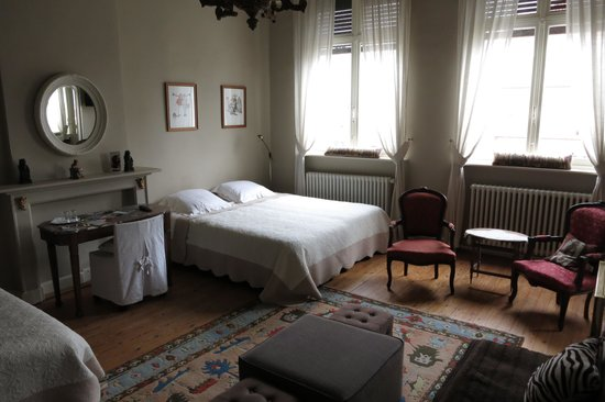 Sint Andries Cruyse: Huge Comfortable Room