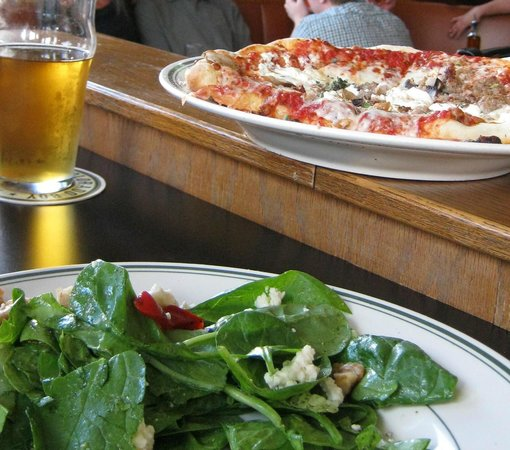 Colorado Boy Brewery : Beer, pizza, salad: you can't go wrong.