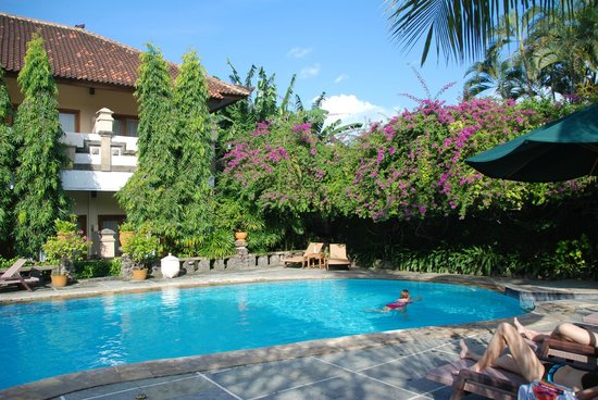 Mentari Sanur Hotel: Pool area is a highlight! Towels is available