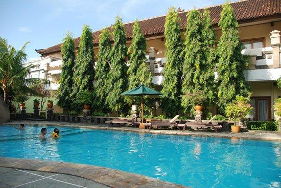 Mentari Sanur Hotel: Pool