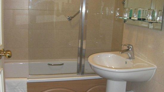 Ariel House: part of the bathroom