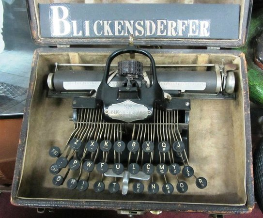 Carr's One of a Kind in the World Museum: One of the oldest typewriters in the world