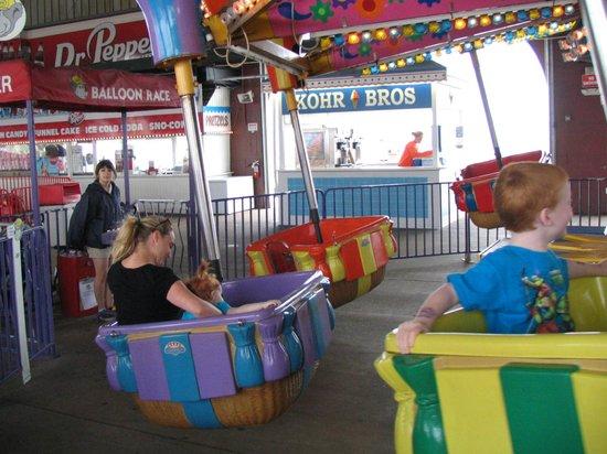 Gillian's Wonderland Pier: Fun Ride for smaller kids