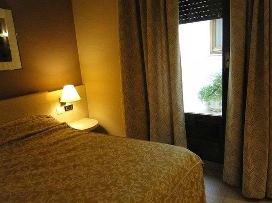 Hotel Rio Arga: Habitación muy cómoda