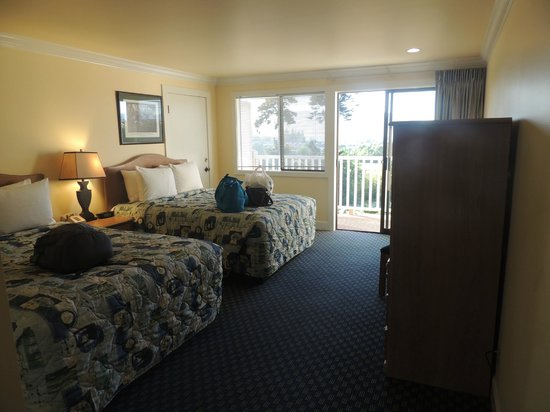 Anacortes Ship Harbor Inn: Two queen beds