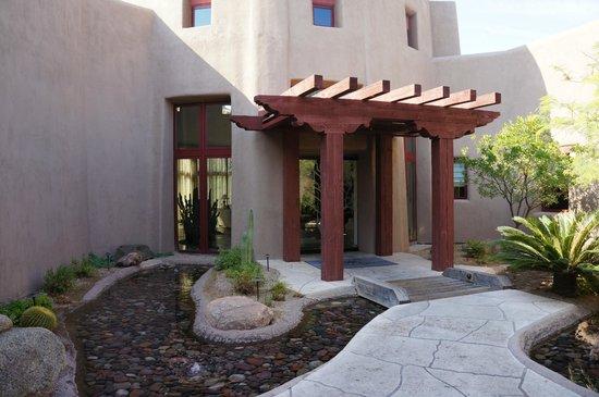 Boulders Resort & Spa, Curio Collection by Hilton: Spa entrance