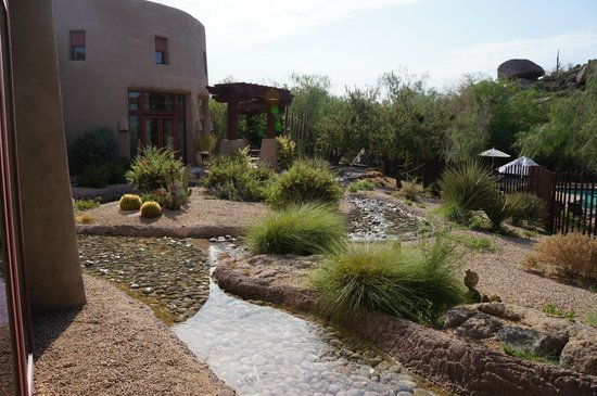 Boulders Resort & Spa, Curio Collection by Hilton: Spa grounds