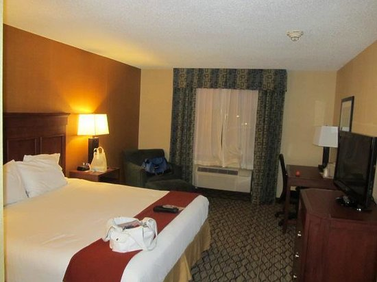Holiday Inn Express Belleville: room view