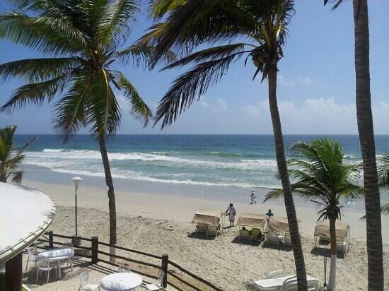 Agua Dorada Beach Hotel by LIDOTEL: vista desde la churuata de la playa!