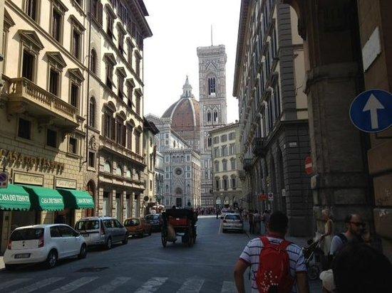 appena fuori dal B&B - Picture of Soggiorno Rondinelli, Florence ...