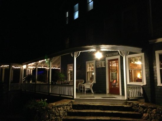 Pleasant Point Inn: welcoming front porch all lit for night arrivals