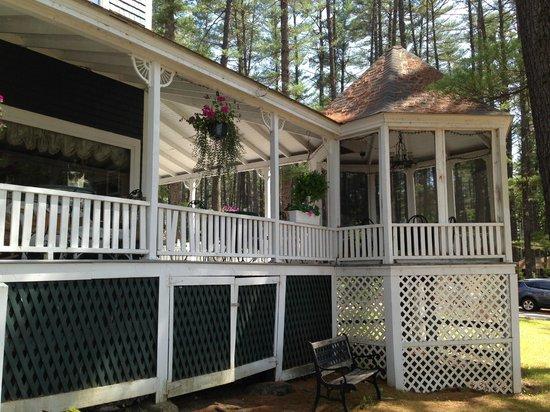 Pleasant Point Inn: porch